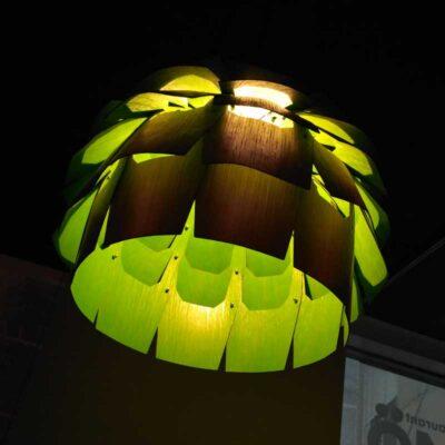 светильник из шпона дерева Миссис Бук